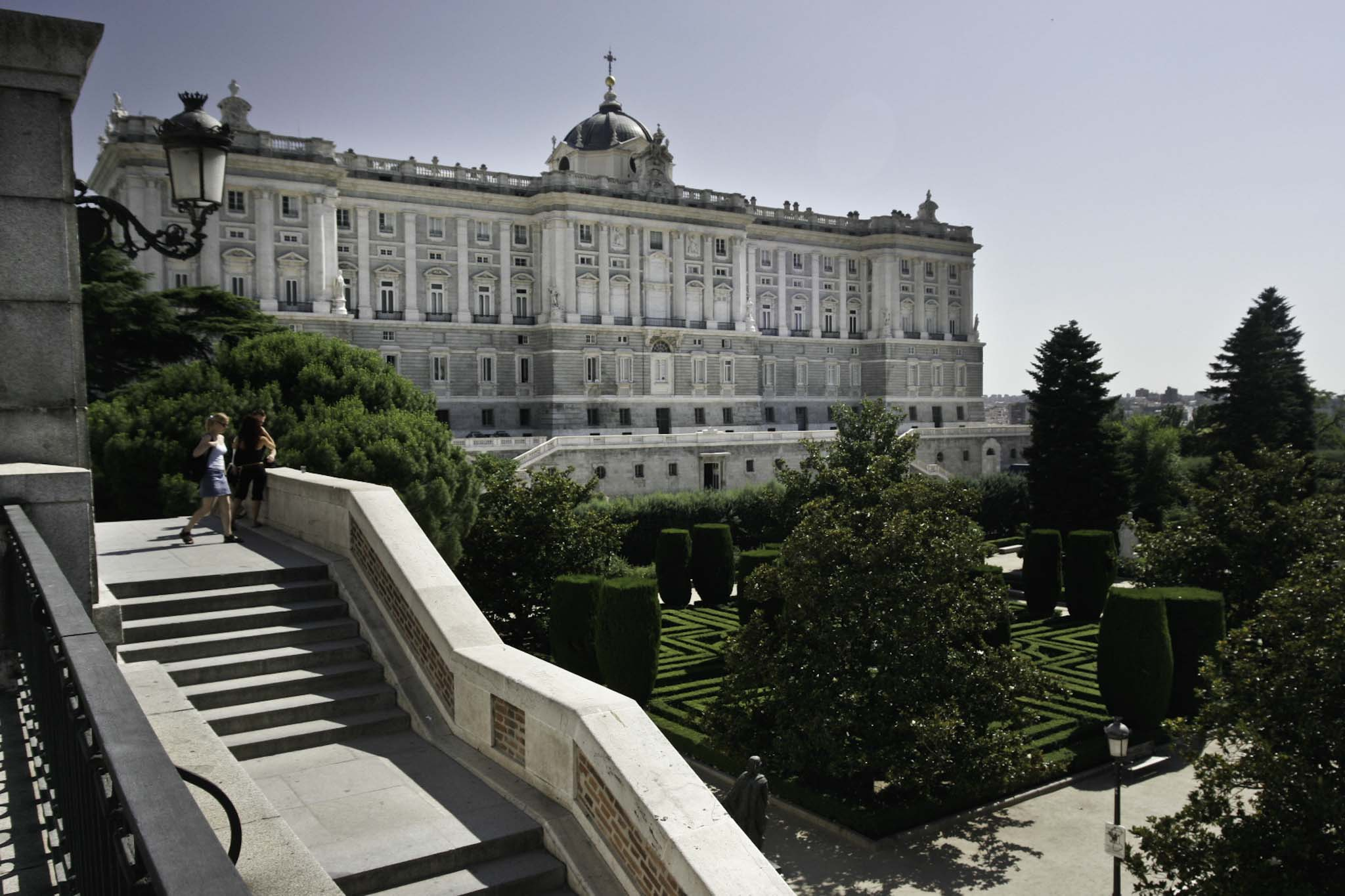 Palacio real koninklijk paleis madrid for Jardines de sabatini