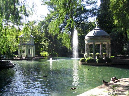 Aranjuez stad met mooie tuinen in omgeving madrid for Jardines de aranjuez horario