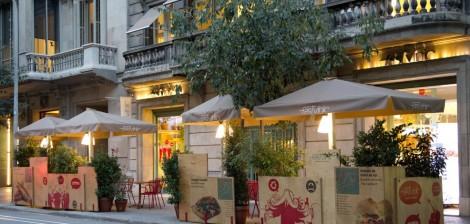 Buiten terras van Fastvinic - Barcelona